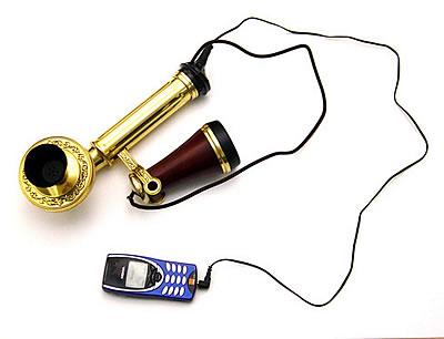 Tel�fono m�vil con auricular retro